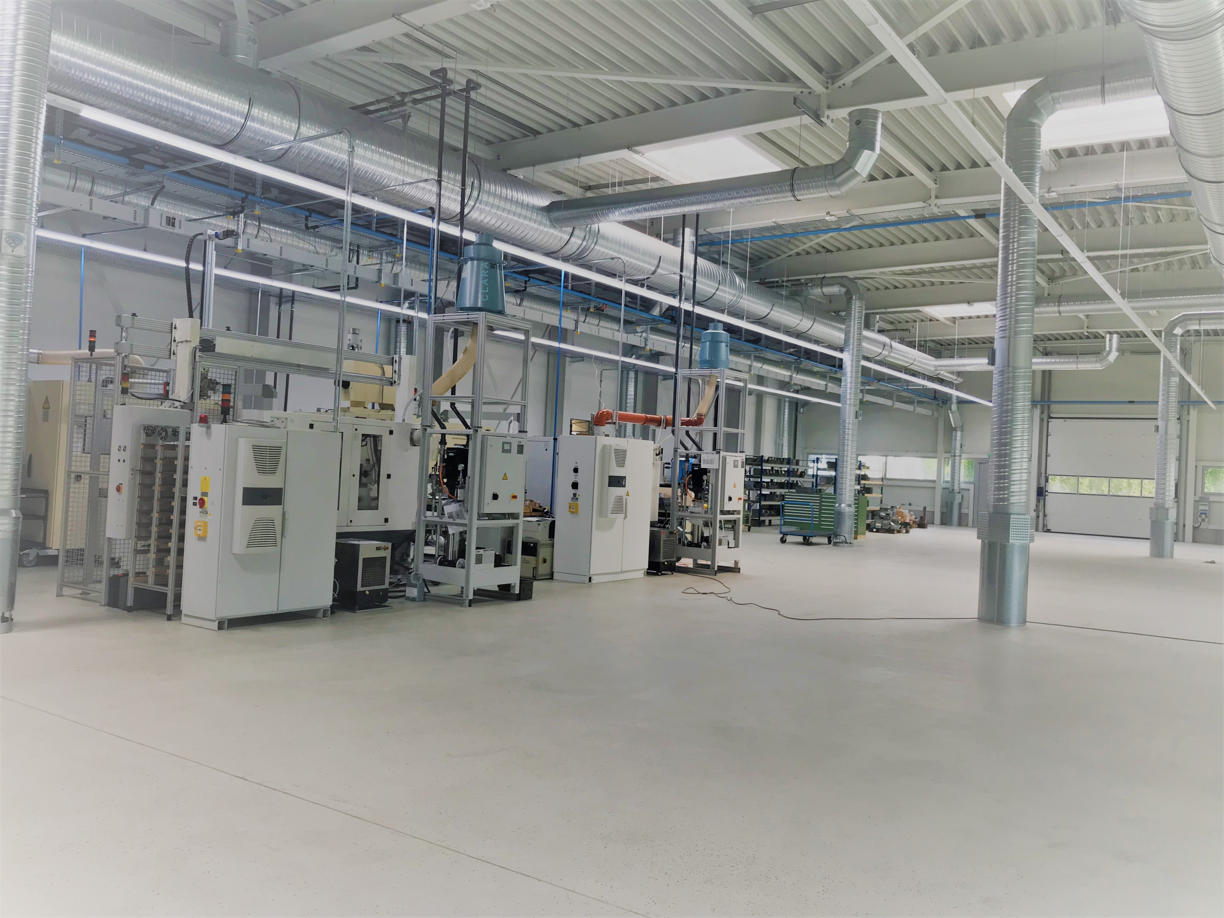 JBO moved the first 5 machines into the new production hall 3